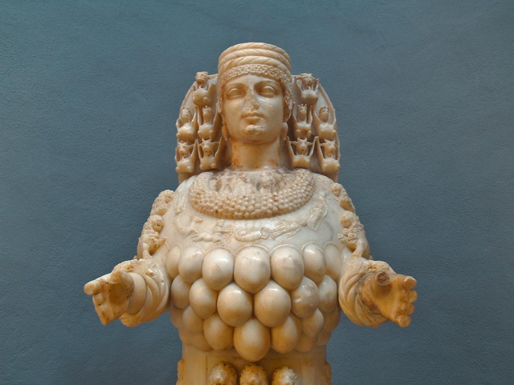40 Memeli Bereket tanrıçası, Yunan'lıların Artemis'i Anadolu'nun Kibele'si